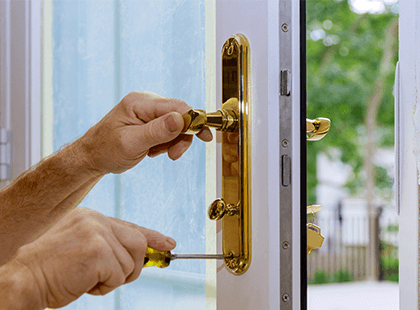 Fixing gold door handle on a upvc frame