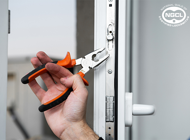 Fixing a upvc door