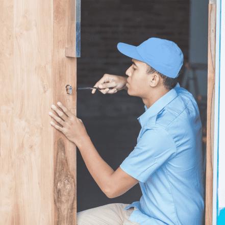 NGCL Locksmith changeing locks on door